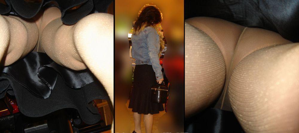 【逆さ撮りエロ画像】肌までクッキリwスカート内部のギリギリまで接近した逆さ撮りパンチラwww  09