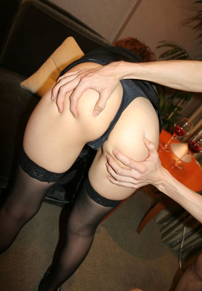 【尻フェチエロ画像】肉をまさぐったり、アナル開いたり…男の手で揉まれるべきまろやか美尻www  07