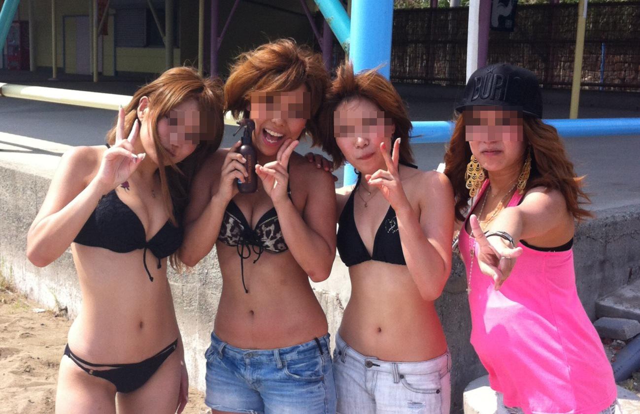 【素人水着画像】海へ行こうまだ間に合う!ビキニギャルのイヤらしいおっぱい拝んで夏の思い出作りましょうwww  07