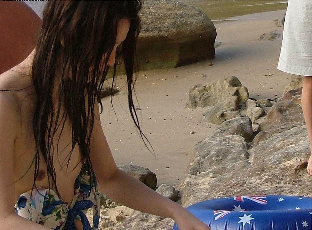 【素人水着エロ画像】夏の思い出補完用、水着素人たちの事件にできないえっちなハプニング総集編www 11