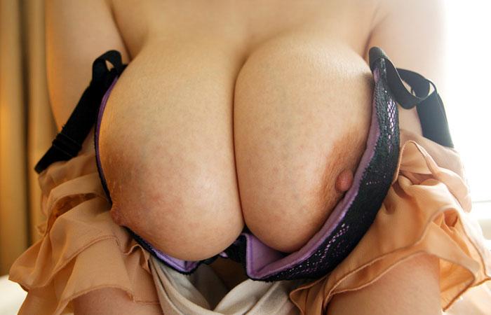 【脱衣エロ画像】比較対象が思いつかない素晴らしさwww脱ぎたてホヤホヤの美麗おっぱいwww 001