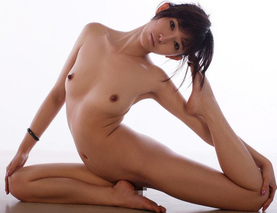 【軟らか女体エロ画像】奥まですっごい入りそうだよ!性行為に間違いなく活かせる軟体ポーズいろいろ 02