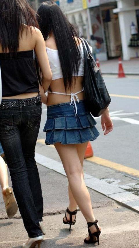 【街撮り着エロ画像】こんな私服が成立している現在www街に溢れる作為のない着エロ風景www 01