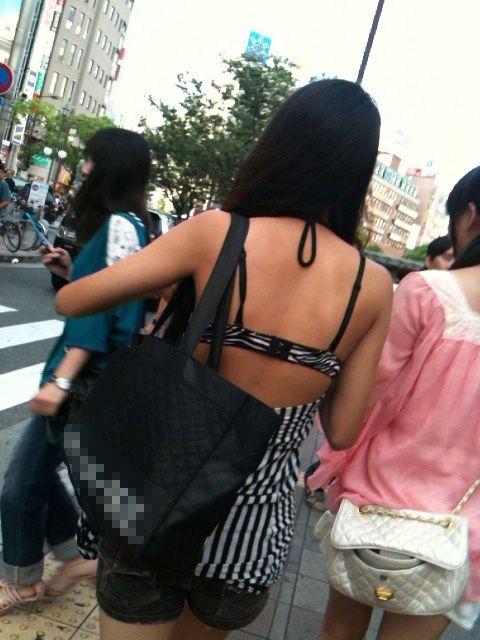 【街撮り着エロ画像】こんな私服が成立している現在www街に溢れる作為のない着エロ風景www 06