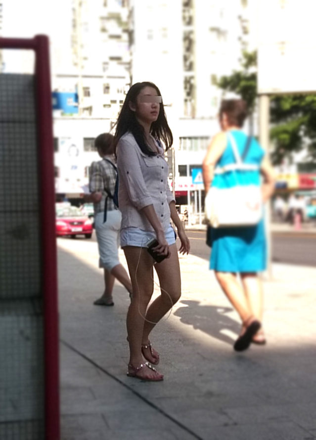 【中華美脚微エロ画像】美脚の楽園、中国で街撮りw数歩進めばほっそり女脚と巡り会えるwww 08