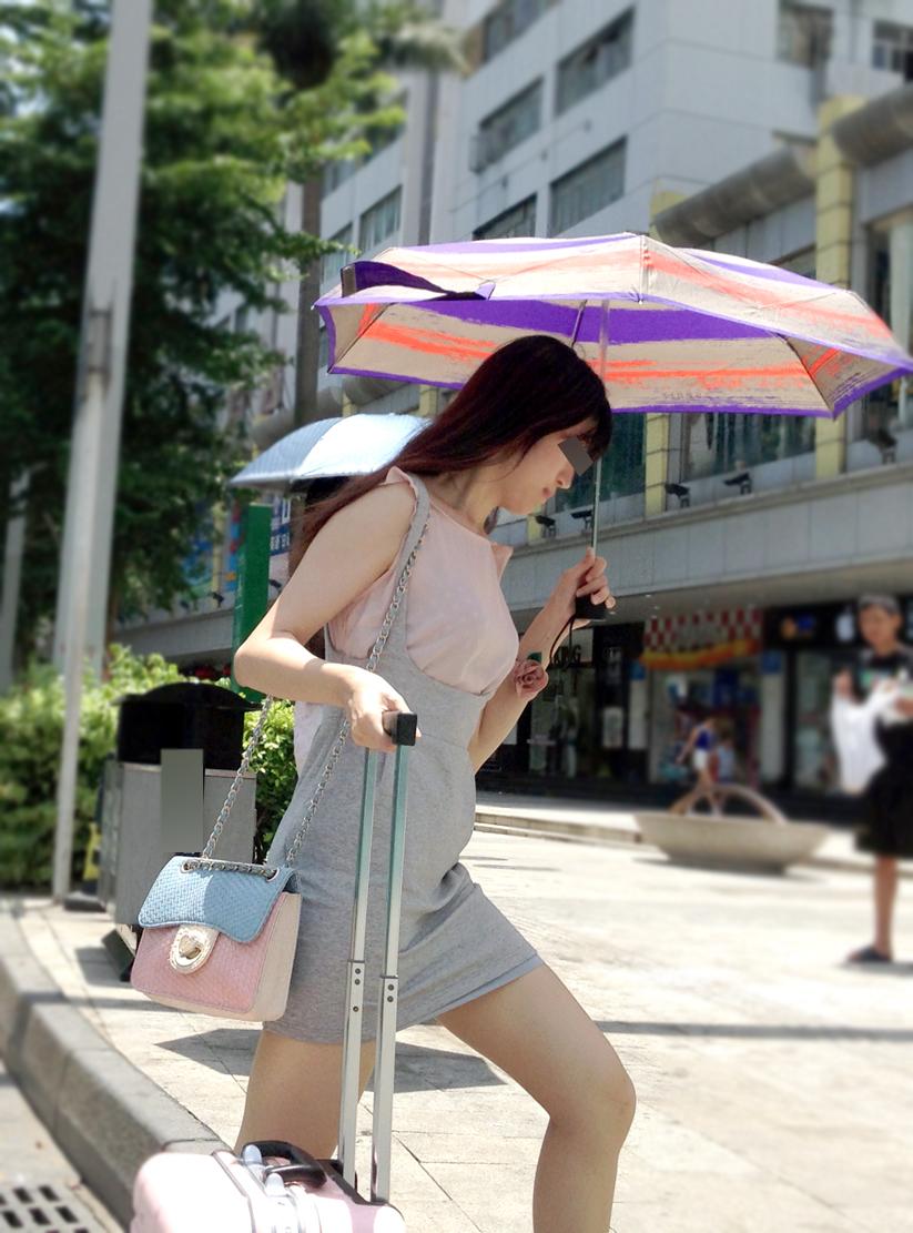 【中華美脚微エロ画像】美脚の楽園、中国で街撮りw数歩進めばほっそり女脚と巡り会えるwww 11