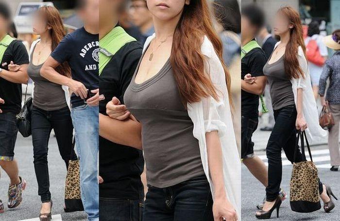 【着衣胸エロ画像】街行くママさん方の巨乳が目立ちすぎでヤバい…ついでに腹もwww 01