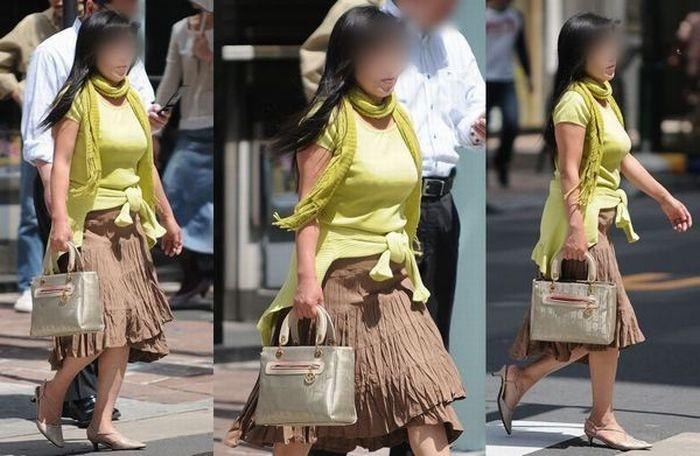 【着衣胸エロ画像】街行くママさん方の巨乳が目立ちすぎでヤバい…ついでに腹もwww 08