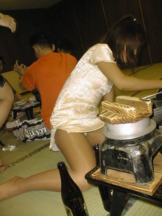 【悪ノリ系エロ画像】出張だらけな大人たちの、家族に言えない楽しみw宴会場の乱れた真実www 08