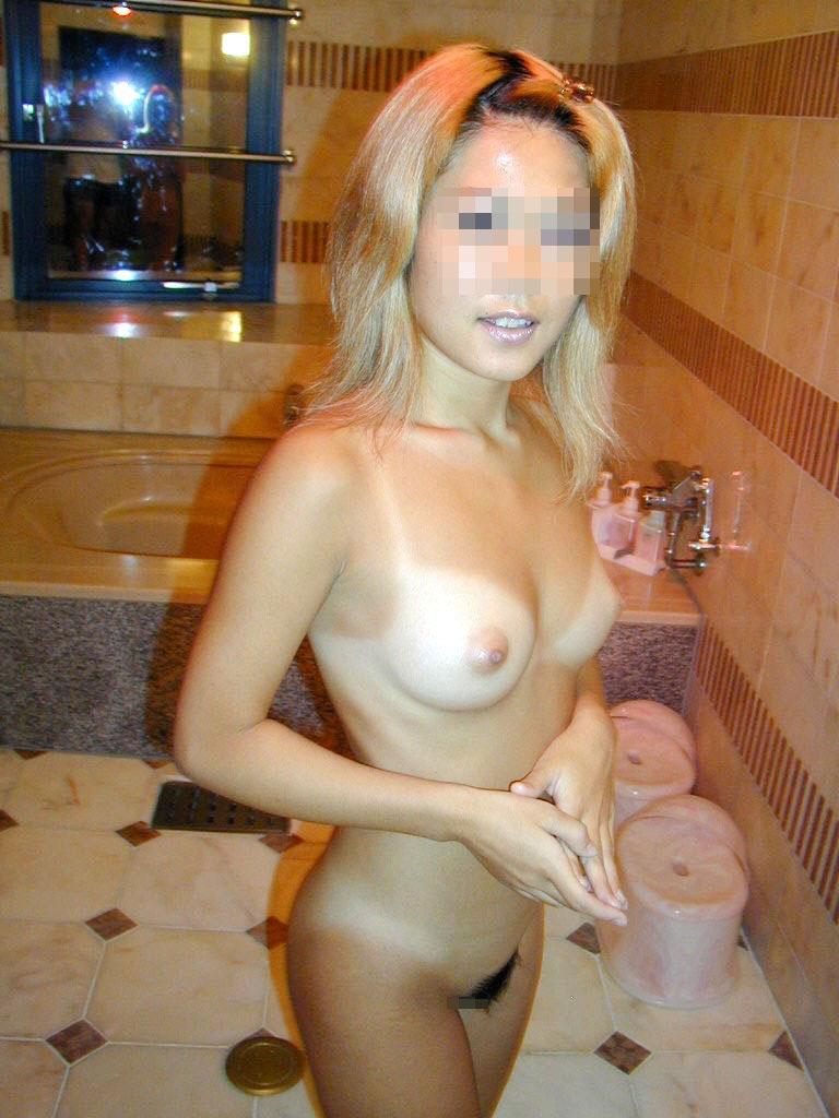 【日焼け女体エロ画像】何故肌を焼くかって?自分の体を卑猥に演出したいだけだからさwww 10