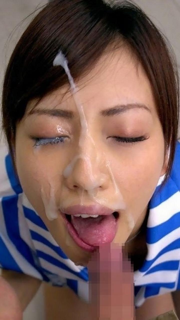 【顔射エロ画像】体液を顔面にぶっかけ!と、失礼な事されてるのにどこか嬉しげなエロ女子www 16