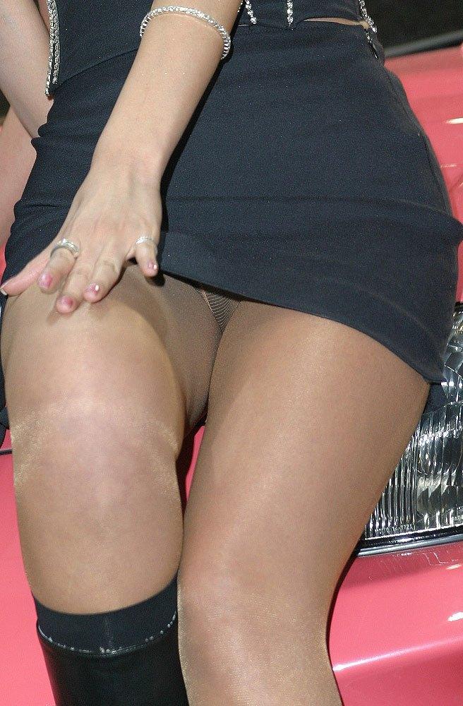 【キャンギャルエロ画像】観客の妄想内でもの凄いことされてそうな程に、美しい脚をお持ちのキャンギャルwww 08