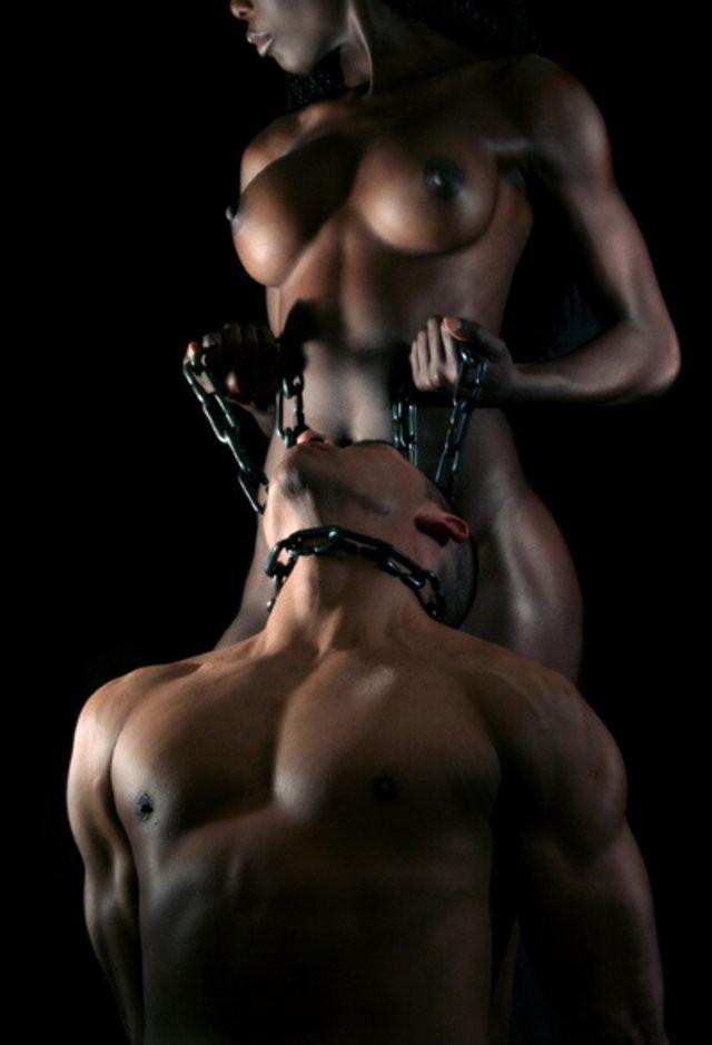 【海外痴女エロ画像】じっとしているだけでも貫禄と威圧感が凄まじい異国の女王様www 14