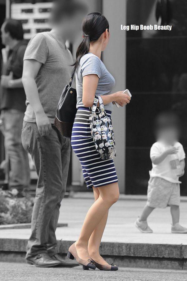 【着衣巨乳エロ画像】何着ても目立ってしまう膨らみ…増殖しすぎのイヤらしき乳袋持ちな素人www 07