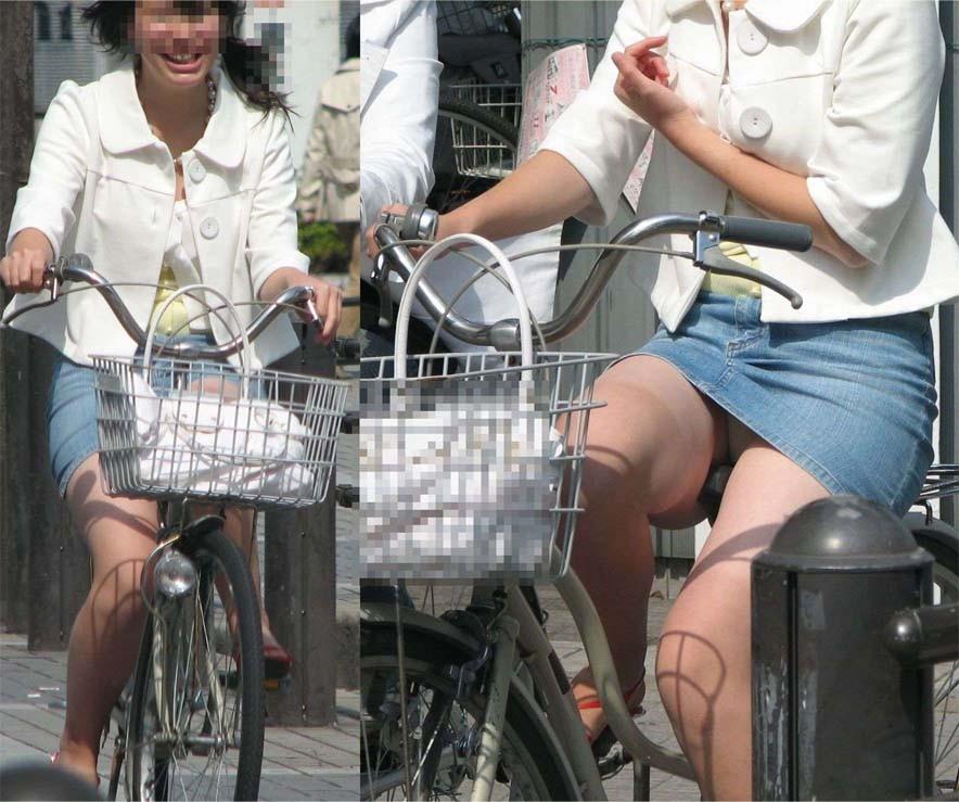 【パンチラエロ画像】ミニスカ女性がチャリ跨いだらパンツ見えるのはもはや揺るがぬ約束事www 12
