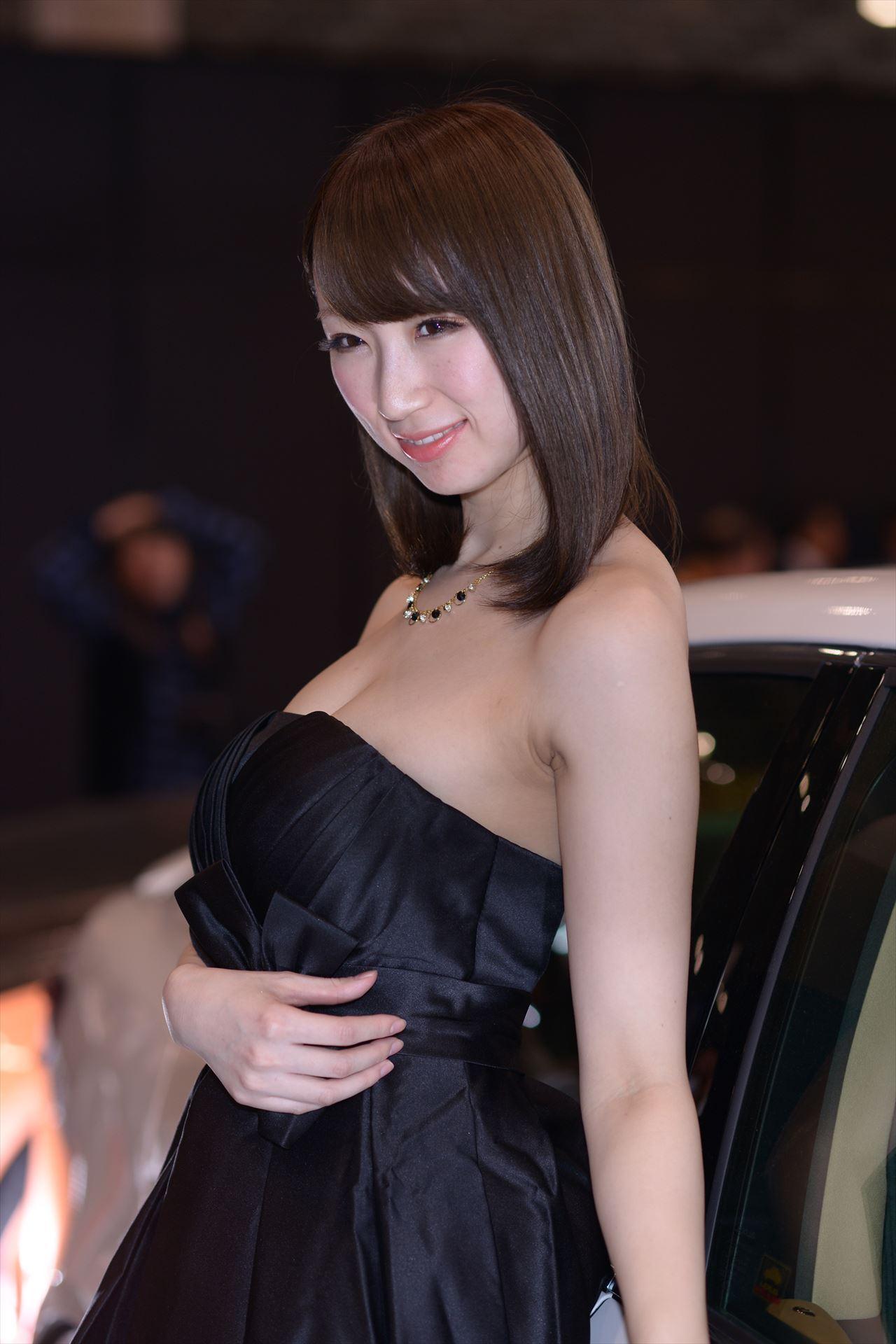 モータショーより車もコンパニオンも過激な東京オートサロンに期待せざるえないww【画像40枚】