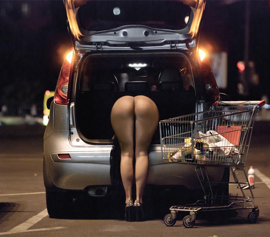 【素人露出エロ画像】新たな夜明けと共に見せる裸体www元日からでも露出マニアは全開です 13