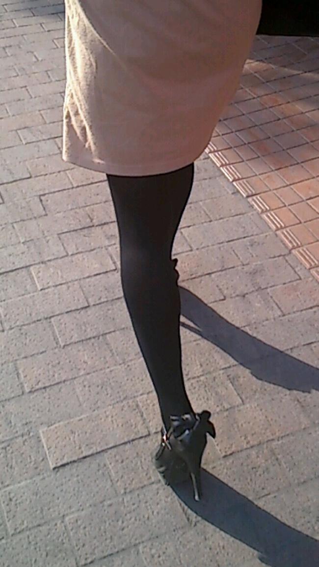 【街撮りOLエロ画像】着衣尻と美脚を只管追っかけ!肉付きたまらん働く女性の下半身www 05