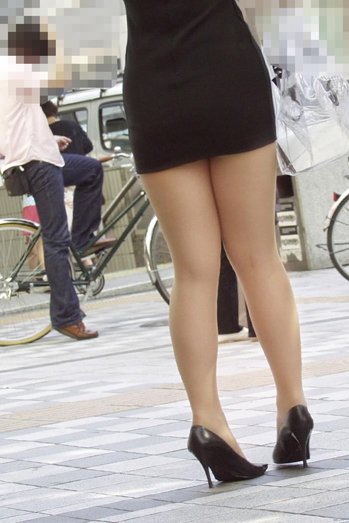 【街撮りOLエロ画像】着衣尻と美脚を只管追っかけ!肉付きたまらん働く女性の下半身www 15