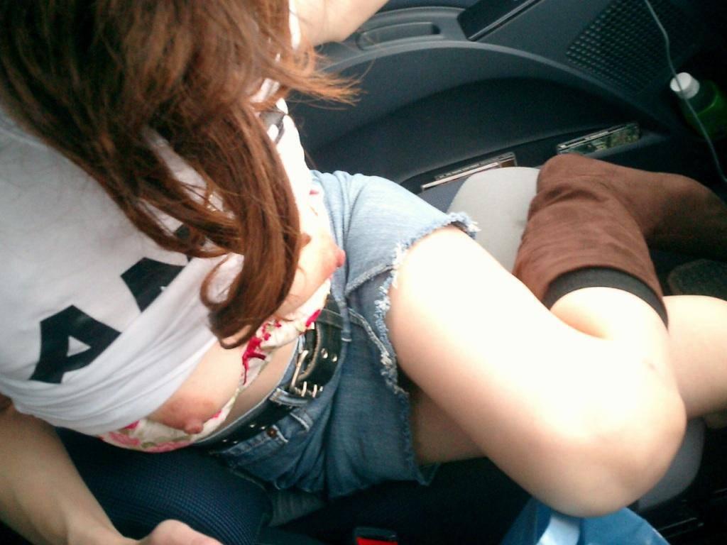 【素人エロ画像】リア充がオナネタに困らない理由…彼女が送ってきた自撮りエロ写メお裾分けwww 03