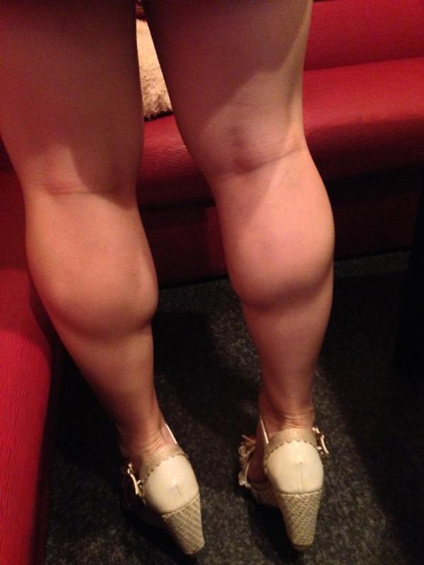 【脚フェチエロ画像】貴方の許せる太さは?けっこう太めの部類に入るムッチリ女脚www 01