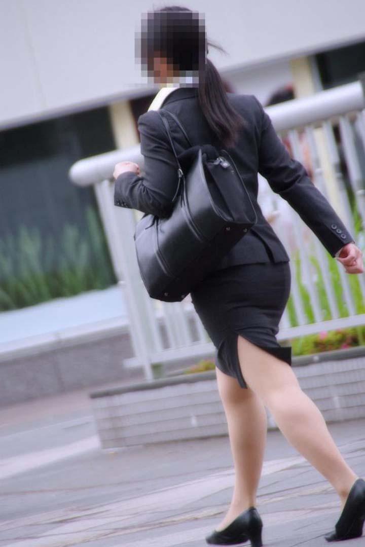【脚フェチエロ画像】貴方の許せる太さは?けっこう太めの部類に入るムッチリ女脚www 07