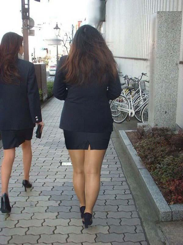 【脚フェチエロ画像】貴方の許せる太さは?けっこう太めの部類に入るムッチリ女脚www 14