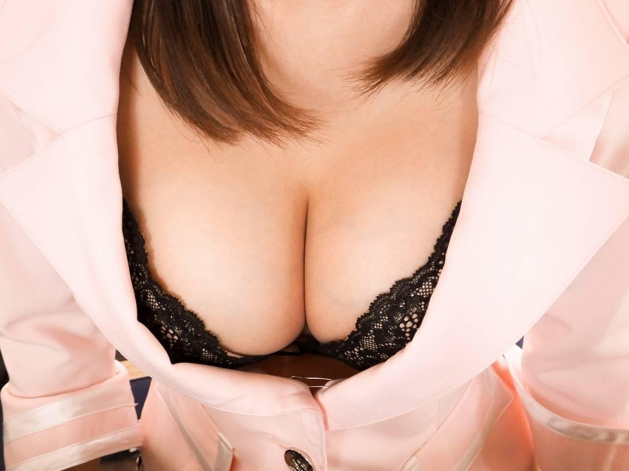 【着エロ画像】勃ったら負けでもいいw乳首に頼らずに男を欲情させる見せ方を知っている巨乳美女たちwww 09