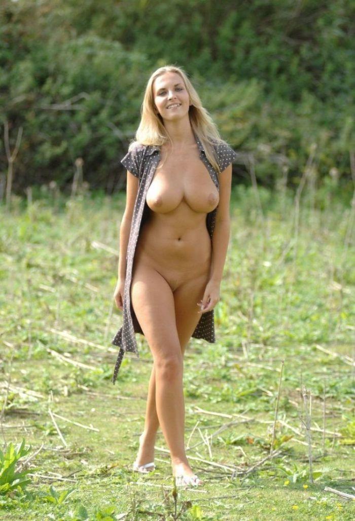 【海外エロ画像】人生で一度はヤッてみたい!美巨乳クビレが垂涎モノな外人美女の裸体www 16
