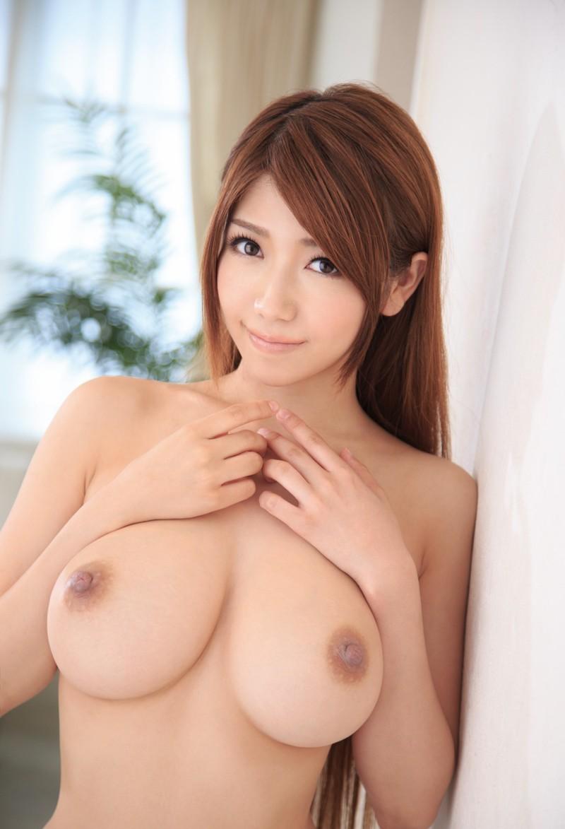 【女体エロ画像】くびれがあるから引き立つ乳!一度は抱きたい理想的な黄金比の裸体www 09