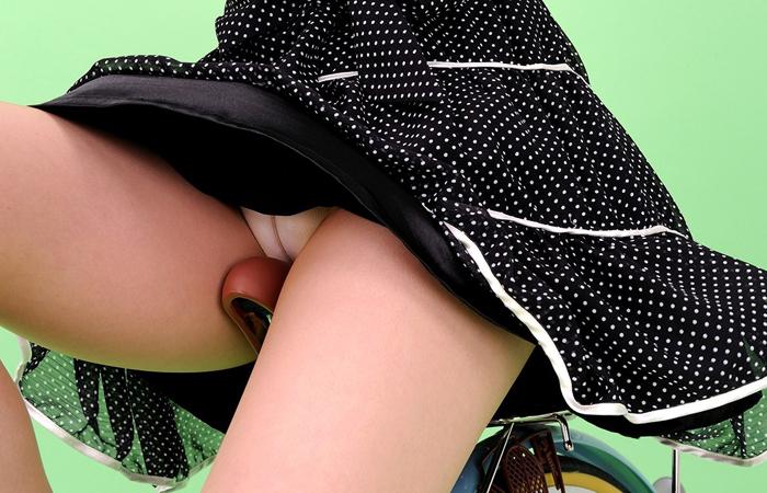 【自転車女子エロ画像】サドルになりたいのではなくチャリと立場変えてその尻乗せたいwww 001
