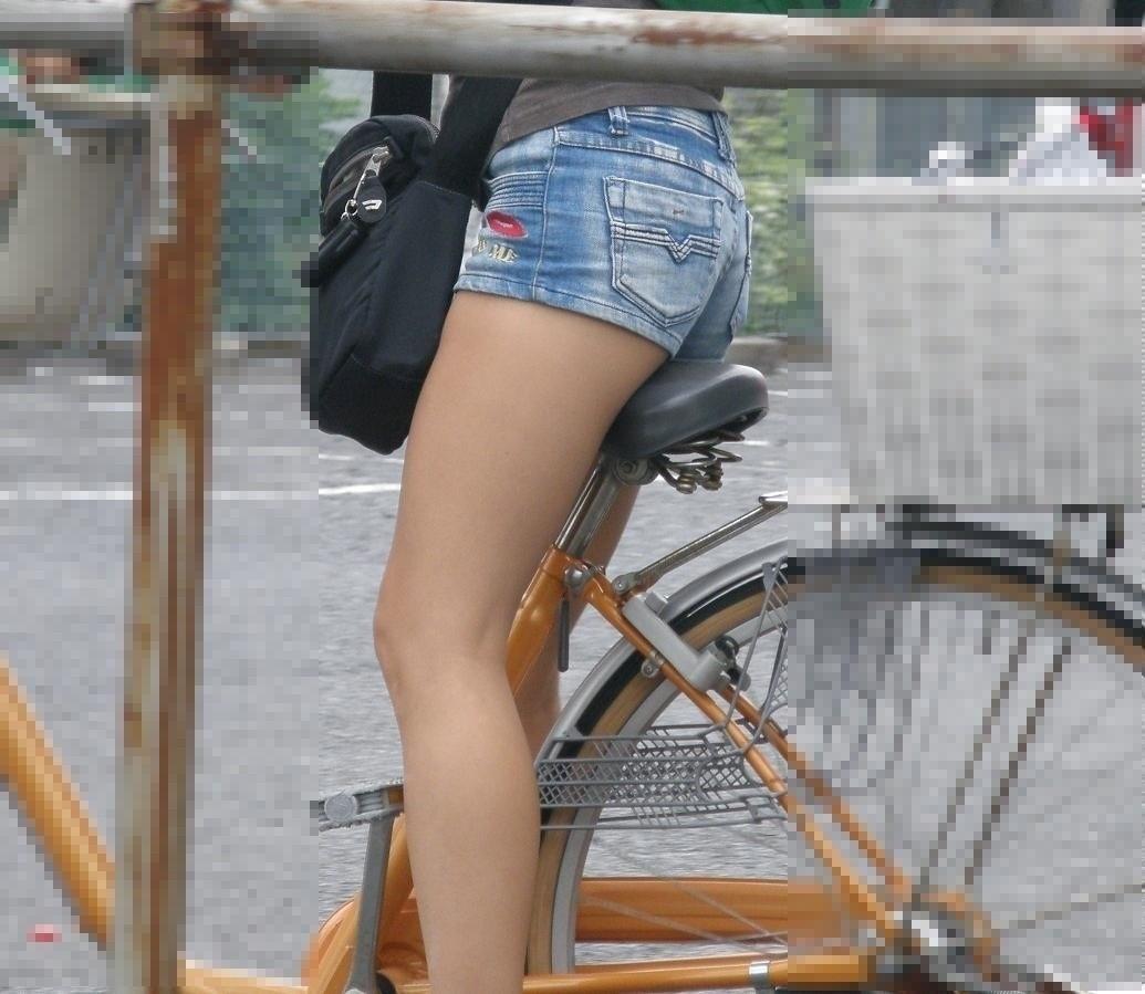 【自転車女子エロ画像】サドルになりたいのではなくチャリと立場変えてその尻乗せたいwww 18