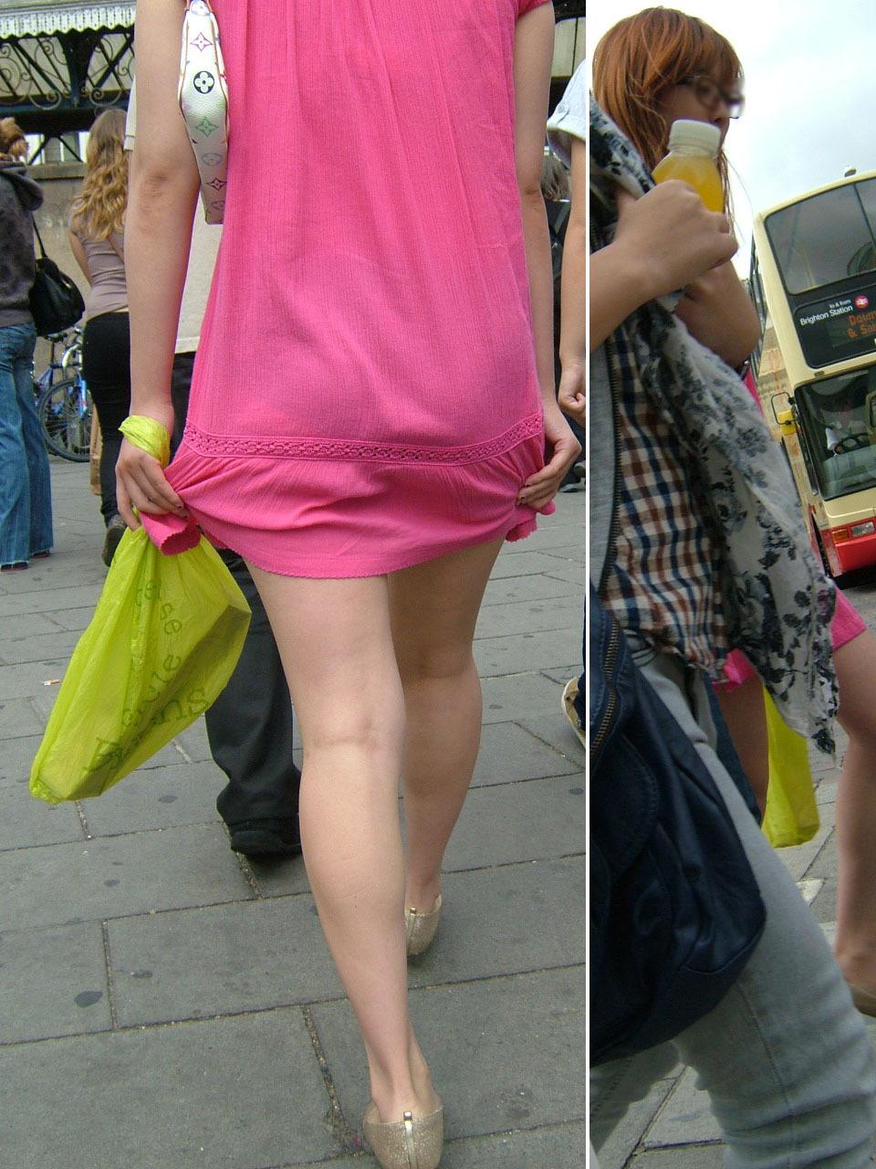 【透けパンエロ画像】この姿で街出たら即下着バレwお尻がクッキリ透けた着衣尻女性たちwww 14