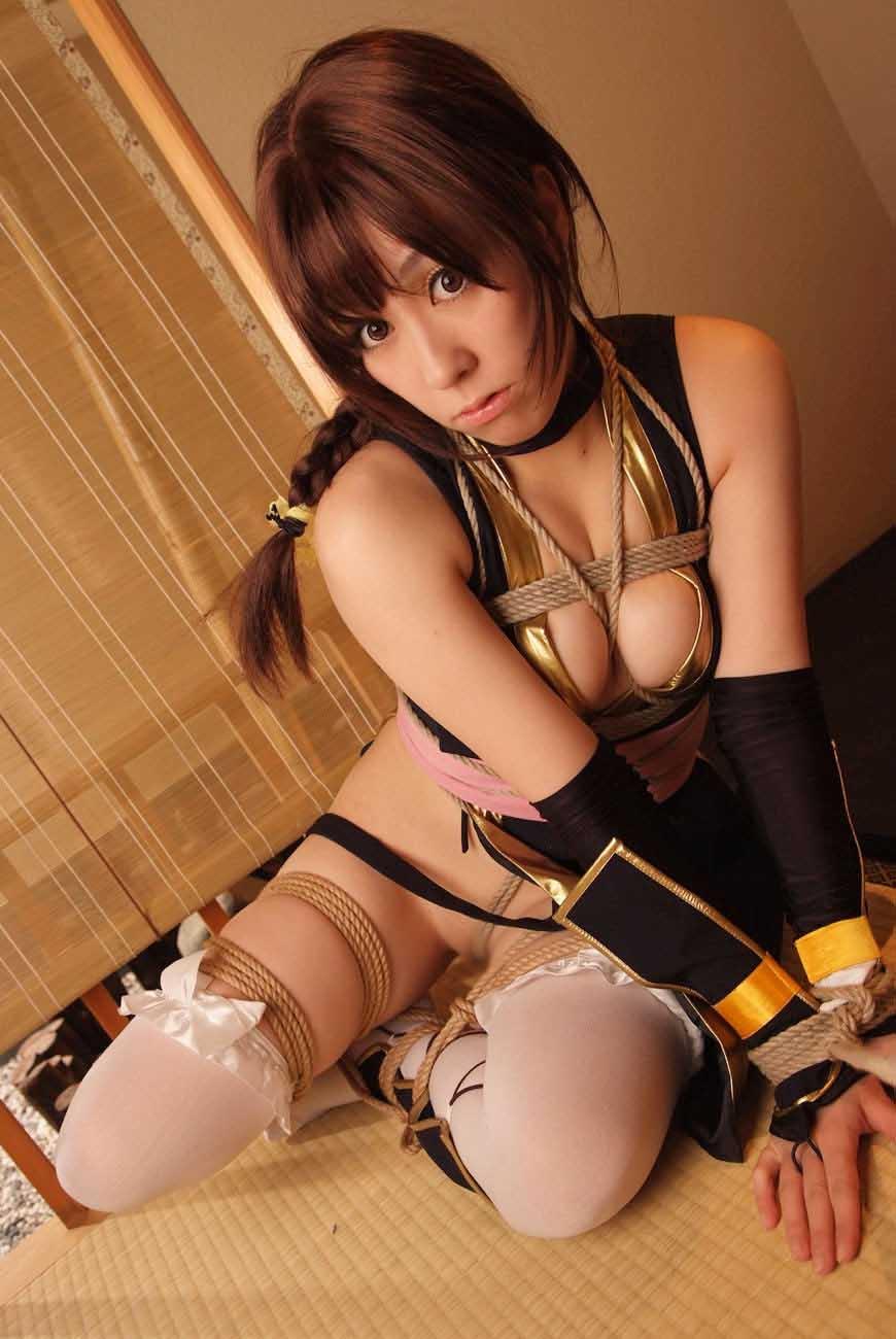 【コスプレSMエロ画像】折檻しているイメージが凄いwセクシーコスプレ美女を拘束拷問中www 09