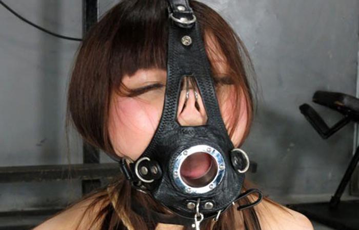 【SMエロ画像】もう誰かわからないw顔面への壮絶な責め苦を受けるM女たちwww 001