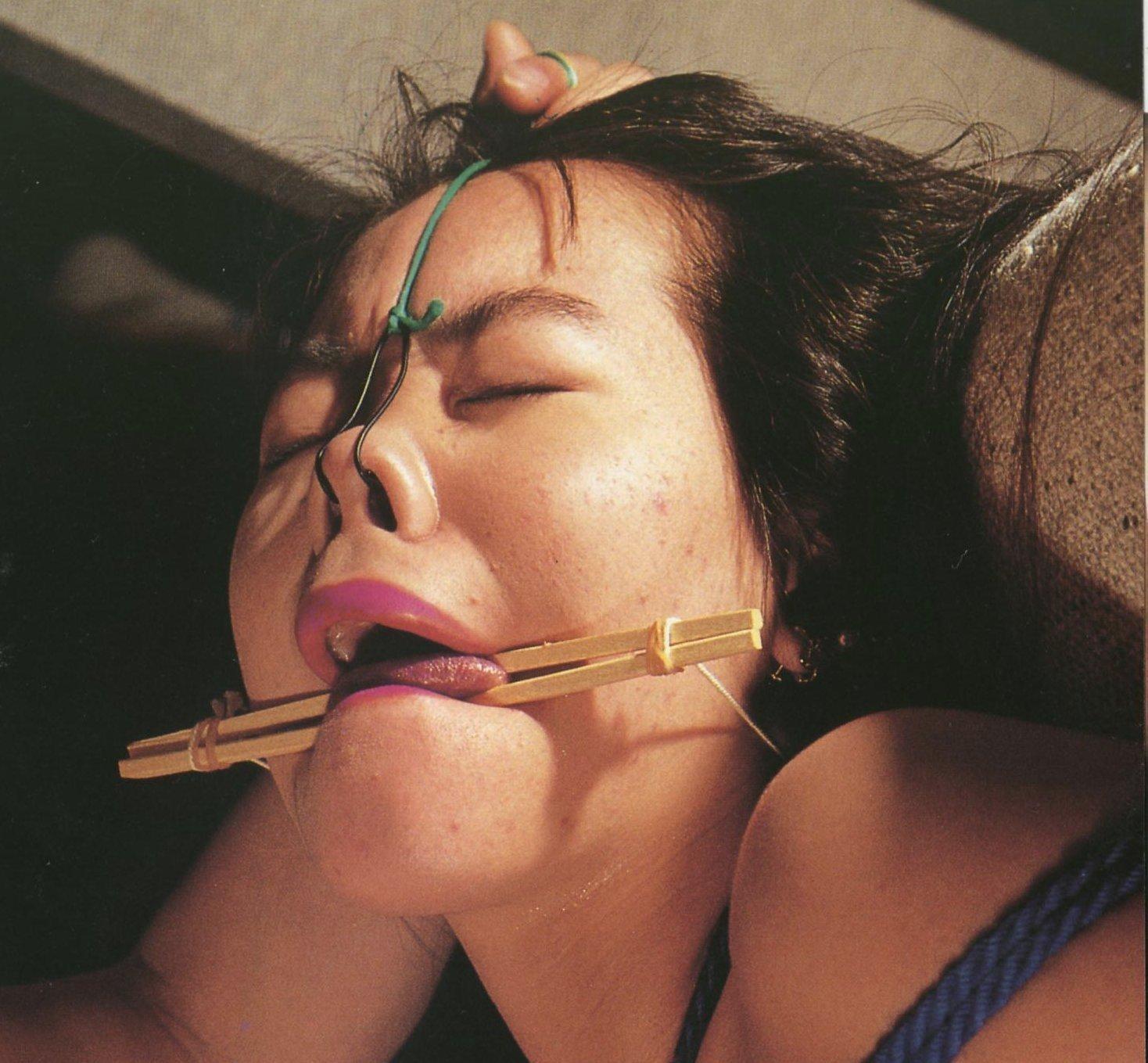 【SMエロ画像】もう誰かわからないw顔面への壮絶な責め苦を受けるM女たちwww 09