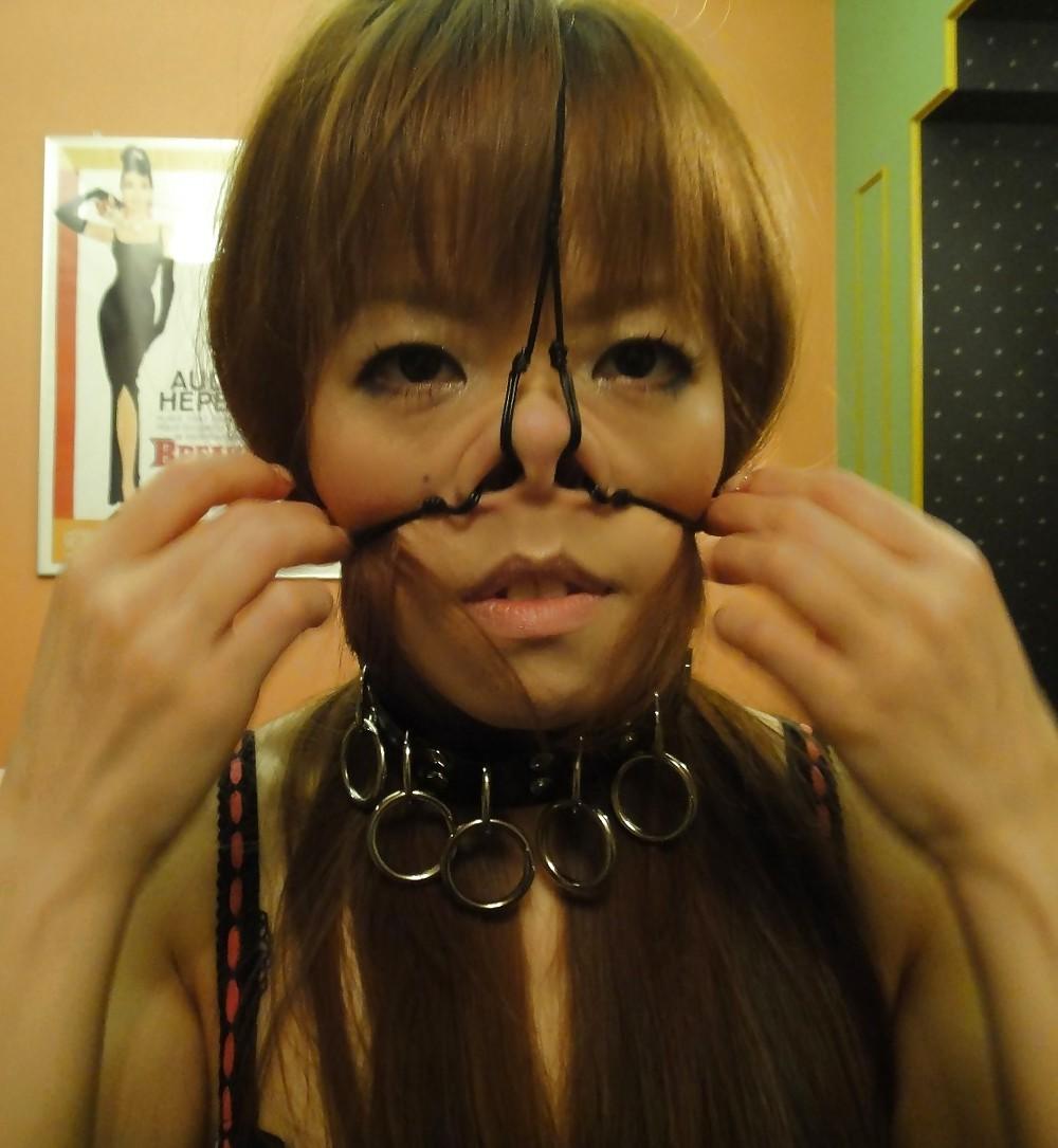 【SMエロ画像】もう誰かわからないw顔面への壮絶な責め苦を受けるM女たちwww 16