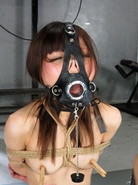 【SMエロ画像】もう誰かわからないw顔面への壮絶な責め苦を受けるM女たちwww 19