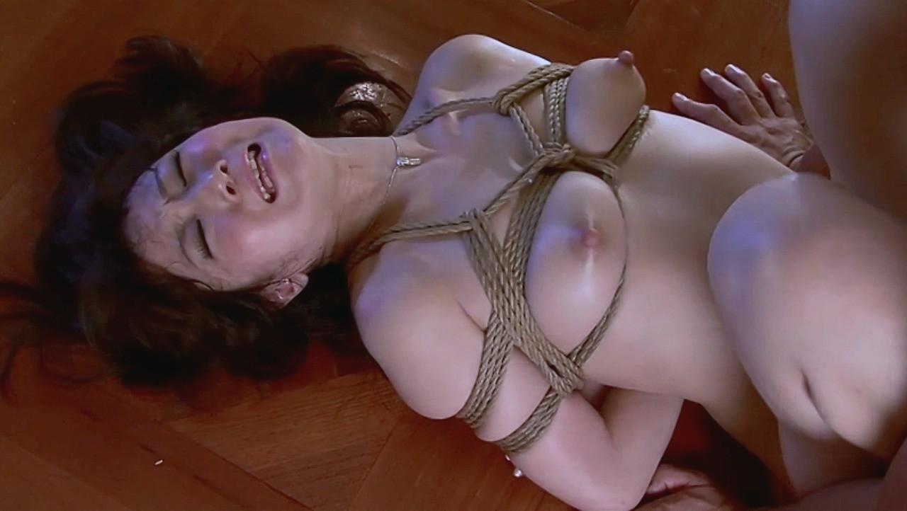 【SMエロ画像】苦痛と快感の板挟みw緊縛セックスで追い込まれるM女たちwww 03
