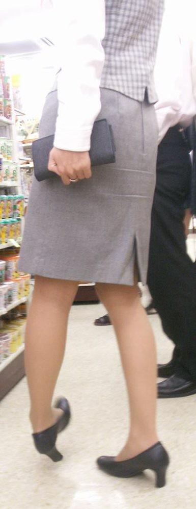 【OLエロ画像】尻肉具合バッチリ!OLの下半身はタイトを履きこなしてこそ超絶品www 04