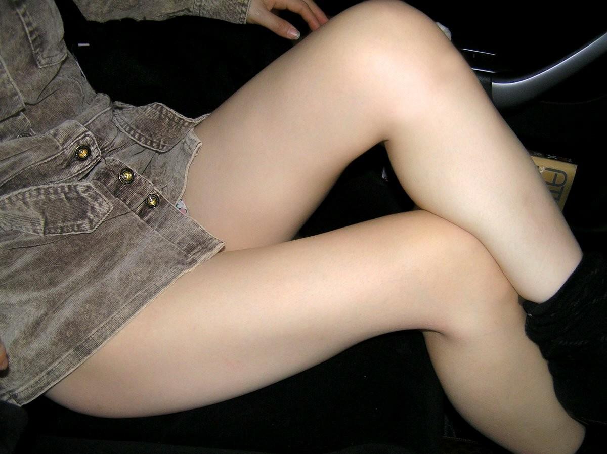 【太ももエロ画像】卑猥であり、癒されるw理想的な女のムチムチ太ももwww 10