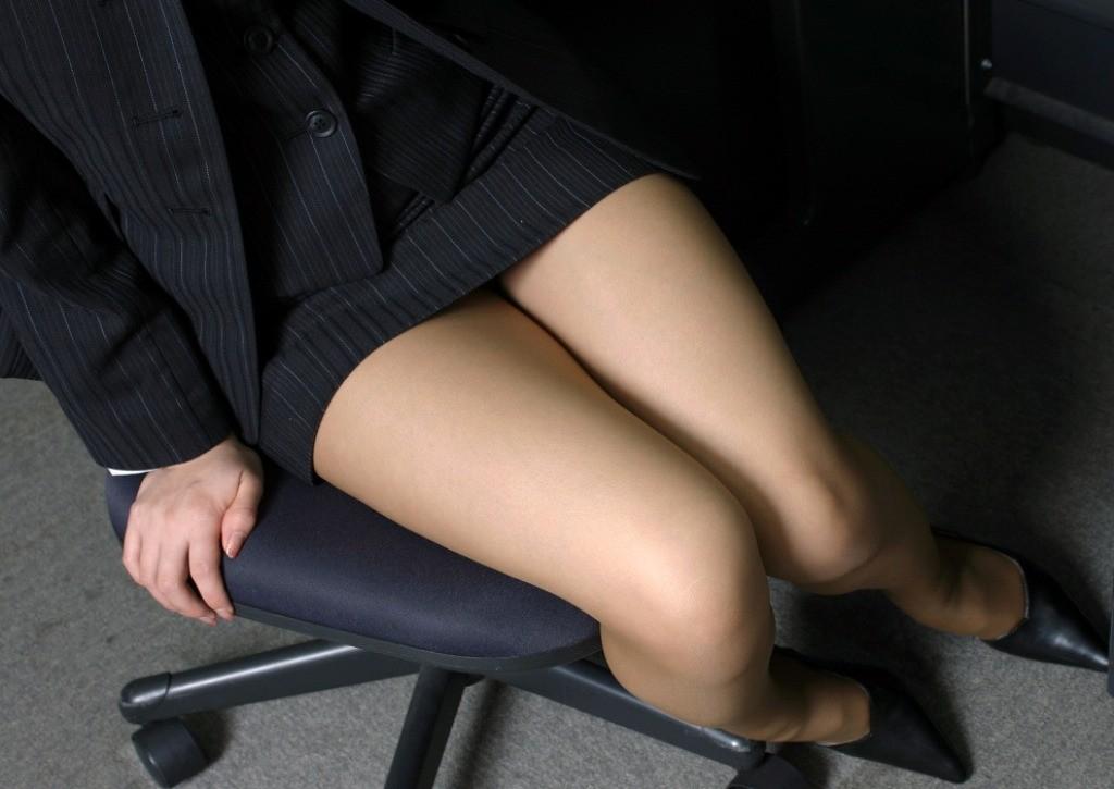 【太ももエロ画像】卑猥であり、癒されるw理想的な女のムチムチ太ももwww 14