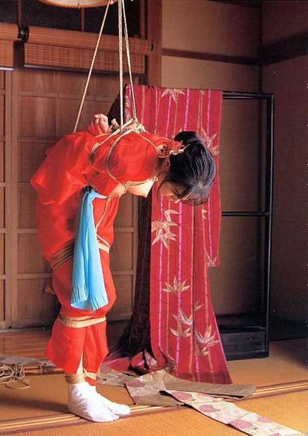 【SMエロ画像】昔の拷問っぽくて酷w着物姿の女性を緊縛して徹底調教www 07