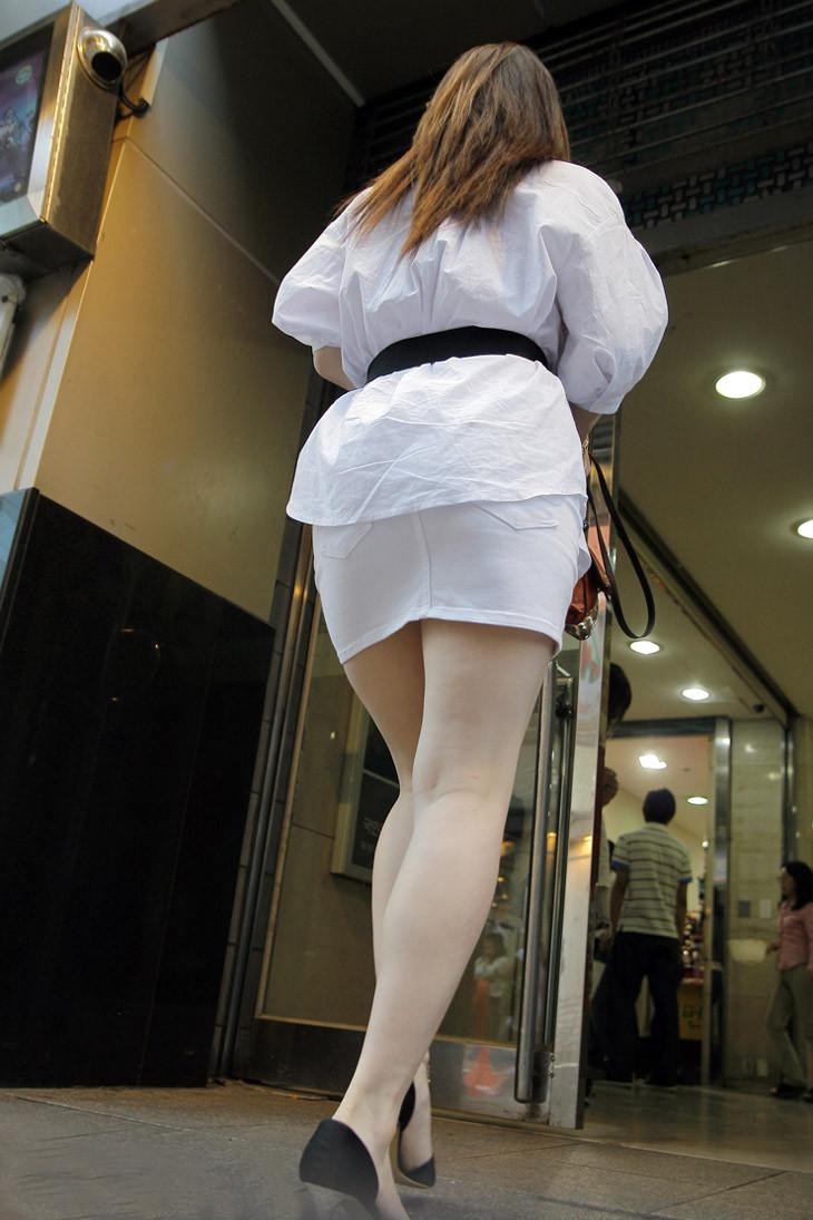 【着衣尻エロ画像】90cm超え多数!?デカさ際立ちすぎな街撮り着衣巨尻www 07