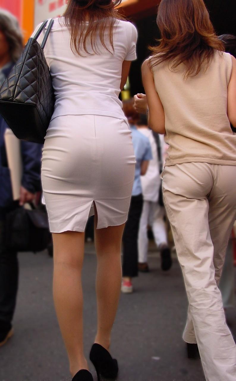 【着衣尻エロ画像】90cm超え多数!?デカさ際立ちすぎな街撮り着衣巨尻www 15