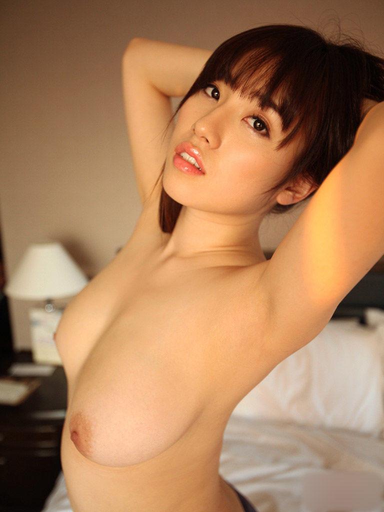 【腋フェチエロ画像】くすぐったくても容赦なくw超絶舐めたい美女の腋下www 04