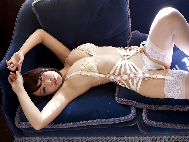 【腋フェチエロ画像】くすぐったくても容赦なくw超絶舐めたい美女の腋下www 09