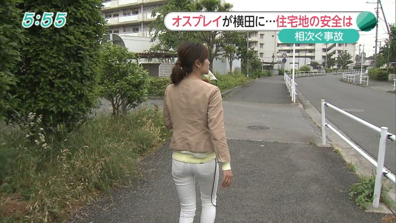 竹内友佳アナの透け気味なむちむち白パンツ尻