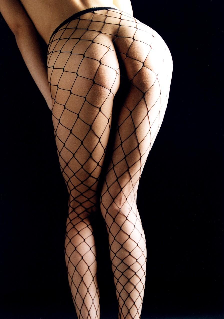 【網タイツエロ画像】女の子に1枚は持ってて欲しいw色香際立つ網タイツ下半身www 10