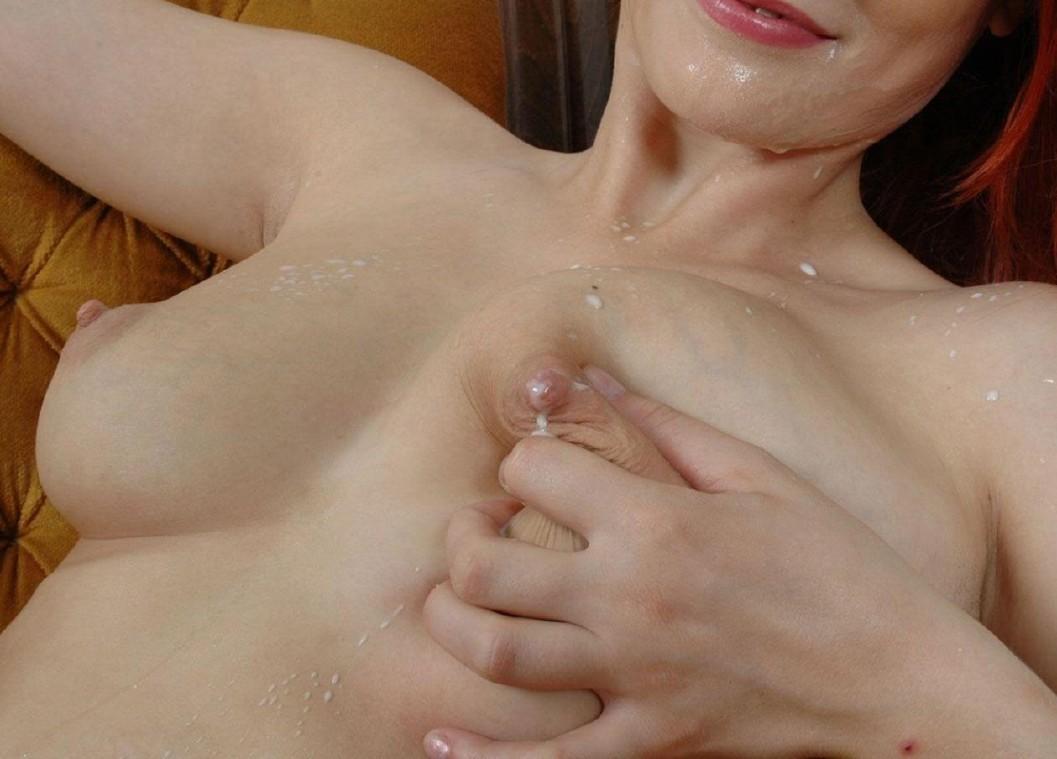 【母乳エロ画像】赤さんに済まないと思いつつ…啜りたくなるおっぱいのミルクwww 02